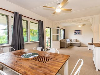 Pet Friendly Holiday House with lots of extras close to Bellara Foreshore!