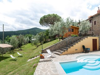 'La residenza Sasso Bianco' country house with swimming pool