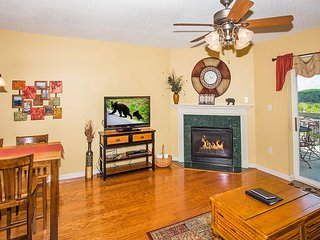 1 Bedroom Condo with Downtown View + Free Dinner and Show Tickets
