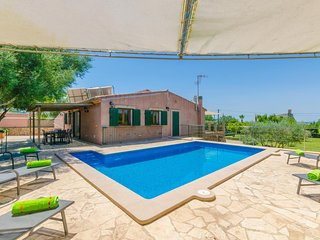Spacious villa in Manacor with Parking, Internet, Washing machine, Air condition