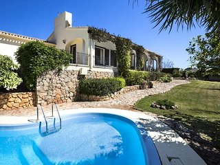 Spacious villa close to the center of Xàbia with Internet, Washing machine, Pool