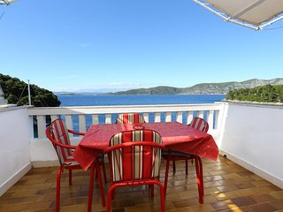 Racisce Apartment Sleeps 4 with Air Con and WiFi - 5462786