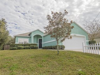 Charming 3/2 Beach Home - Sleeps 10 - Great Price for Single Family Home!!!
