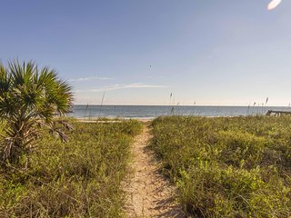 Oceanfront 3/2 Home - Spectacular Views - in  Vilano Beach!!!