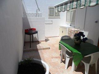 Casa 100 m spiaggia zona Maldive del Salento,7 posti, 2 clima,veranda barbecue