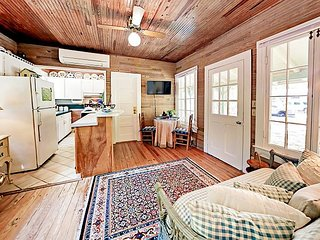 Charming 1BR 'Love Shack' on Serene Bear Point Estate