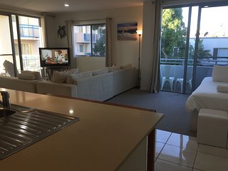 Gorgeous 2 bed unit 7 min walk to Surfers Paradise