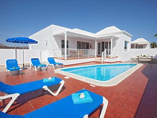 3 bedroom Villa in Puerto del Carmen, Canary Islands, Spain - 5707740