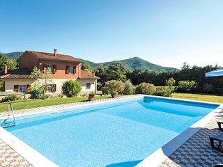 4 bedroom Villa in Il Passaggio, Tuscany, Italy : ref 5705285