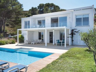 4 bedroom Villa in Arenal d'en Castell, Balearic Islands, Spain : ref 5707583