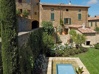 3 bedroom Villa in Castelmuzio, Tuscany, Italy - 5707713