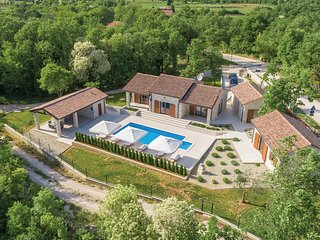 3 bedroom Villa in Žužići, Istria, Croatia - 5714306
