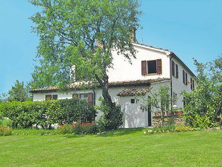 3 bedroom Villa in Tavoleto, The Marches, Italy : ref 5715640