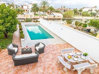 5 bedroom Villa in Empuriabrava, Catalonia, Spain : ref 5714277