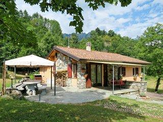 4 bedroom Villa in Monti di Grandola, Lombardy, Italy - 5715399