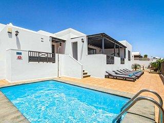 3 bedroom Villa in Puerto del Carmen, Canary Islands, Spain - 5707319