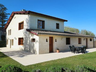 4 bedroom Villa in Gardegan-et-Tourtirac, Nouvelle-Aquitaine, France : ref 57149