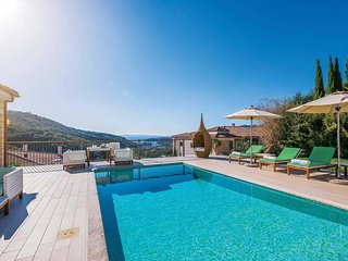 2 bedroom Villa in Marnóra, Epirus, Greece : ref 5704946