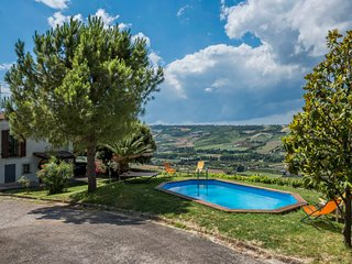 3 bedroom Villa in , Marche, Italy - 5715331