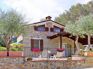 4 bedroom Villa with Air Con and WiFi - 5715279
