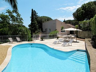 3 bedroom Villa in La Garonnette-Plage, France - 5714945