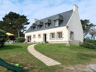 Argenton Holiday Home Sleeps 8 with Free WiFi - 5714941