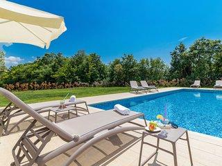4 bedroom Villa in Butkovići, Istarska Županija, Croatia - 5715202