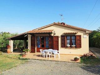 2 bedroom Villa in Marina di Cecina, Tuscany, Italy : ref 5715332