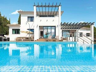 6 bedroom Villa in La Cala De Mijas, Andalusia, Spain - 5706884