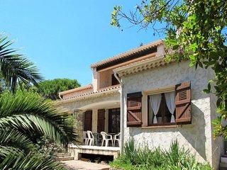 4 bedroom Villa in Saint-Aygulf, Provence-Alpes-Cote d'Azur, France - 5714837