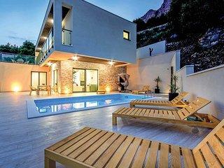 4 bedroom Villa in Lokva Rogoznica, Croatia - 5705007