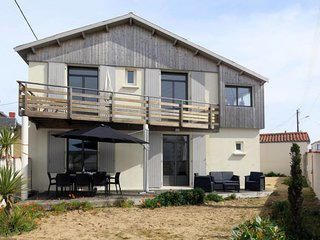 4 bedroom Villa in La Tranche-sur-Mer, Pays de la Loire, France - 5715139