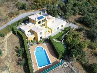 4 bedroom Villa in Esgravatadouro, Faro, Portugal : ref 5707737