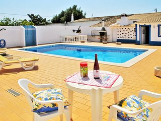 4 bedroom Villa in Mem Moniz, Faro, Portugal : ref 5715679