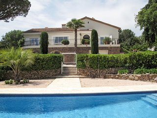4 bedroom Villa in Sainte-Maxime, Provence-Alpes-Cote d'Azur, France - 5714972