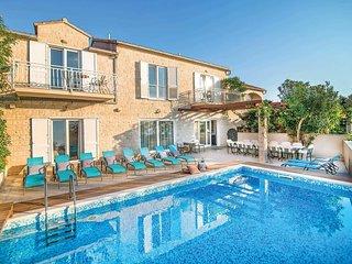 7 bedroom Villa in Mirca, Splitsko-Dalmatinska Županija, Croatia : ref 5706146