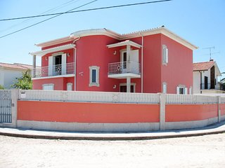 Pinhote Holiday Home Sleeps 11 with Pool and Free WiFi - 5715673