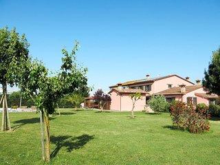 3 bedroom Apartment in Grecciano, Tuscany, Italy : ref 5715375