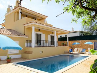 4 bedroom Villa with Pool, Air Con and WiFi - 5715671