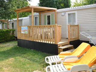 Cortellazzo Holiday Home Sleeps 7 with Pool Air Con and WiFi - 5715476