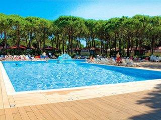 3 bedroom Apartment in Cortellazzo, Veneto, Italy - 5715476