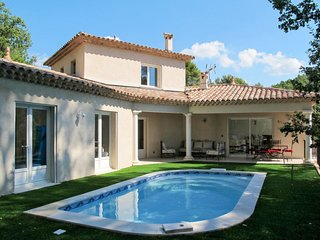 3 bedroom Villa in Draguignan, Provence-Alpes-Cote d'Azur, France : ref 5714897