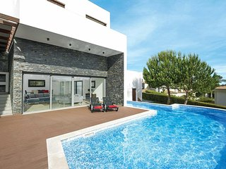 5 bedroom Villa in Vale do Garrao, Faro, Portugal : ref 5704912