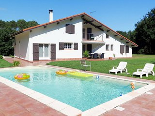 4 bedroom Villa with Pool, Air Con and WiFi - 5714961