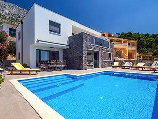 4 bedroom Villa in Kutleša, Splitsko-Dalmatinska Županija, Croatia - 5713839