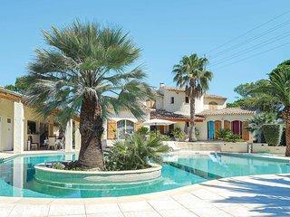 4 bedroom Villa in Puget-sur-Argens, Provence-Alpes-Côte d'Azur, France : ref 57