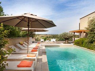 4 bedroom Villa in Venasque, Provence-Alpes-Cote d'Azur, France - 5715210