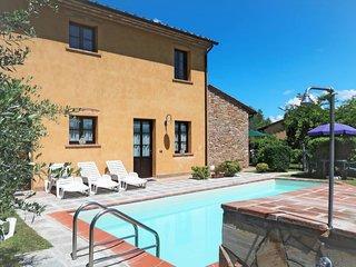 3 bedroom Villa with Pool - 5715513
