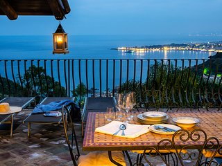 Luxury Residence Taormina - Eolie TOP 2 bedrooms apartment Sea and Etna view