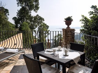 Luxury Residence Taormina - Etna 2 bedrooms apartment Sea and Etna view